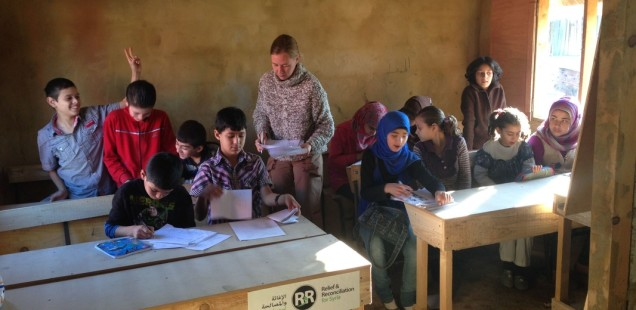 R&R 4 Syria School - Teaching French preparing for a later integration into Lebanese schools